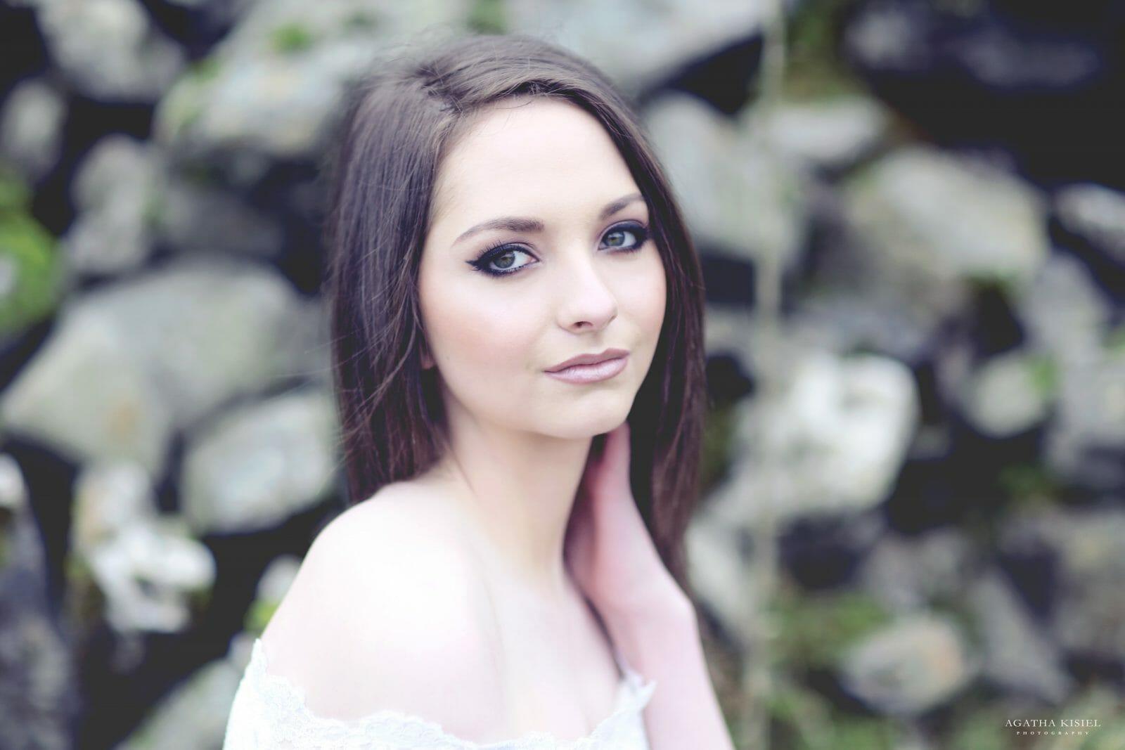 natural make-up for photo shoot